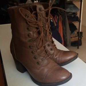 Steve madden lace up and zip up boot